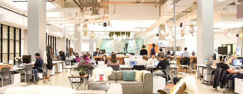 Coworking espacios que crean comunidades productivas for Oficina coworking
