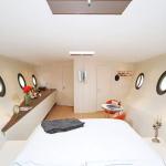 alojamiento diferente barco airbnb