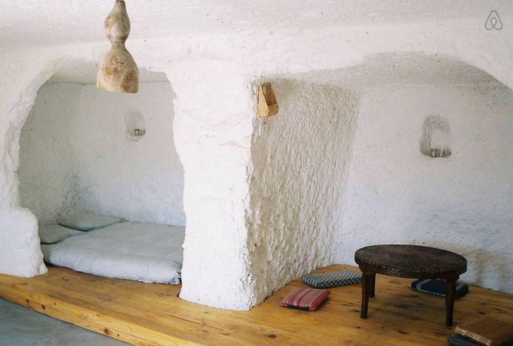 alojamiento diferente cueva airbnb