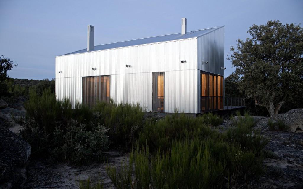 ConnectionsbyFinsa_Viviendas_Modulares_Garoza_House_exterior