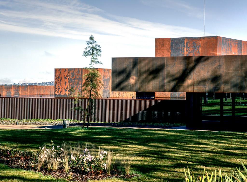 Museo Soulages, 2014, Rodez (Francia) en colaboración con G. Trégouët. Foto: Hisao Suzuki