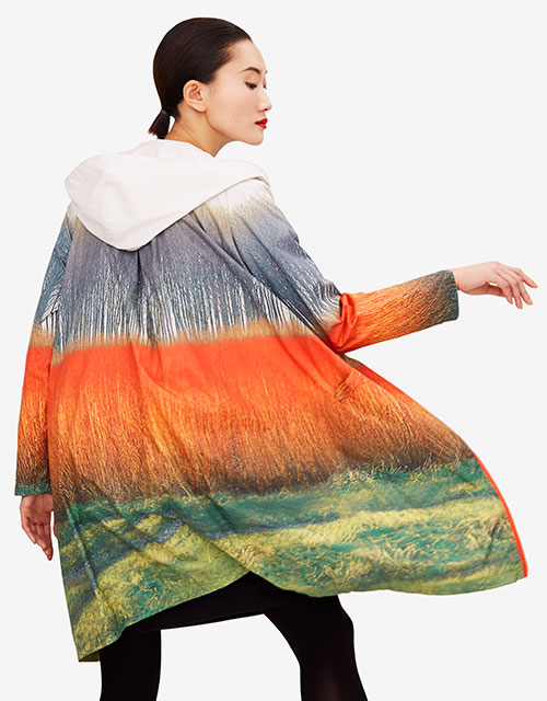 Reciclaje en moda: una de las prendass de la colección cápsula de Sybilla para Ecoalf