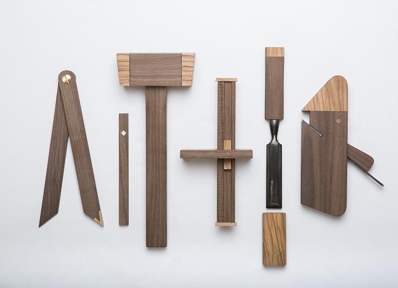 'Timber kit' de Giacomo Moor explora el oficio tradicional del carpintero y presenta las herramientas tradicionales en un nuevo contexto.