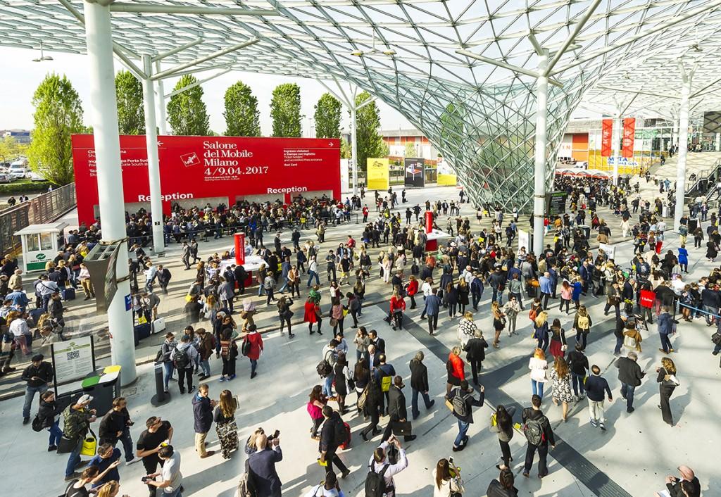 En 2017 el Salone del Mobile recibió 343.000 visitantes. Foto: salonemilano.it