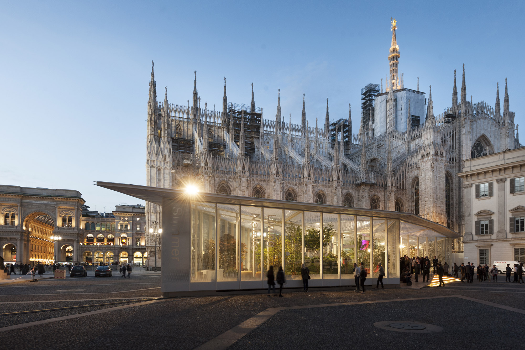 Living Nature, a reflection on nature and habitat in the shadow of the magnificent Duomo de Milan.