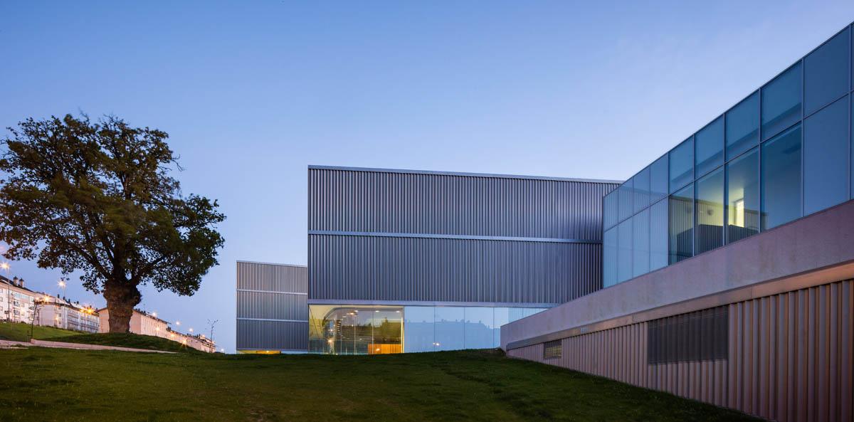 L'auditorium de Lugo, fruit d'un concours international, sera l'un des projets présentés par Paredes Pedrosa à la Biennale de Venise. Photo : Fernando Alda