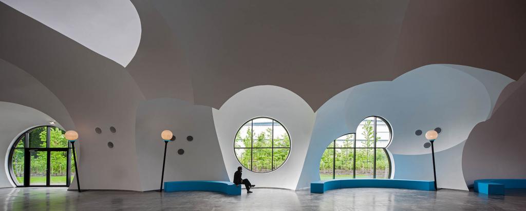 Arquitectura sostenible: El diseño aprovecha al máximo las posibilidades de iluminación.