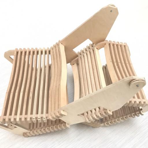 Arrolo: un mueble de filosofía maker entre la silla y el atril
