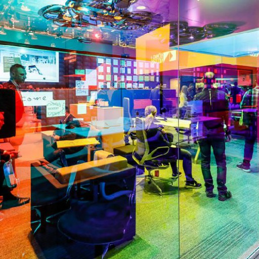 Orgatec 2018 : la couleur envahit les bureaux du futur
