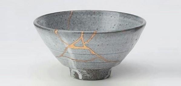 Kintsukuroi es el arte de recomponer objetos con materiales preciosos